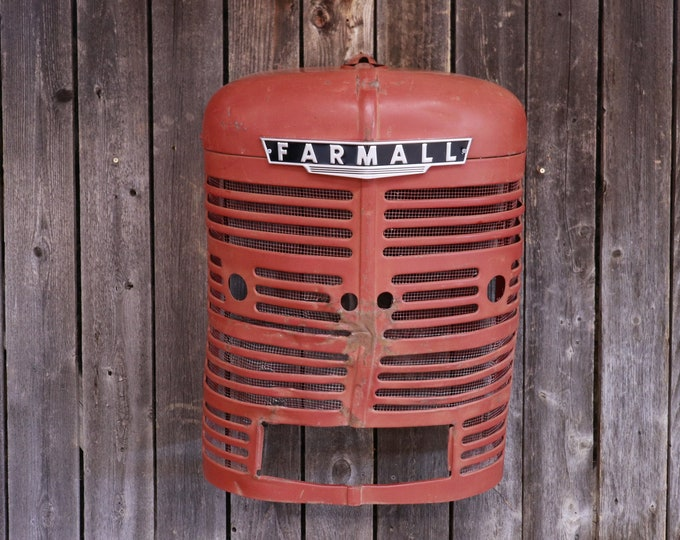 Rustic Farmall M Tractor Grill Wall Hanging w/ light - Industrial FarmHouse - Wall Art for your Man Cave, Garage, Shop, Living Room, or Apt