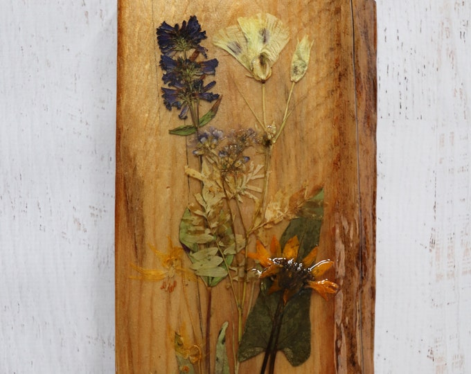 Live Edge Wildflower Art with a glassy resin finish! Wildflowers from Idaho on live edge pine wood to hang on your wall. Country Chic