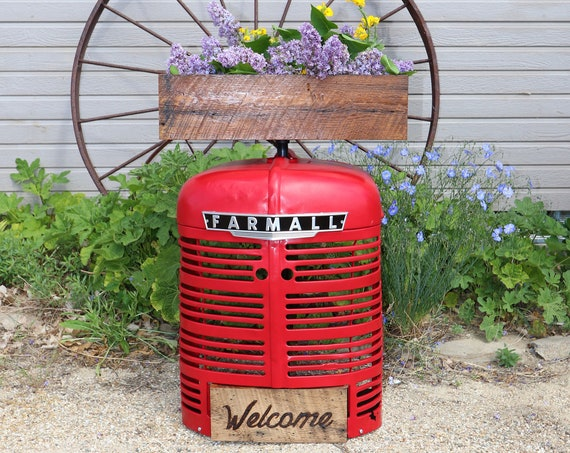 Farmall Garden Flower Box or Herb Box made with barn boards and a farmall tractor grill, this will look great in your garden or house.