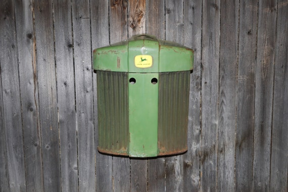 John Deere Tractor Grill 720 - FarmHouse -Rust - Tractor Grill Wall Art - Garage - Man Cave - Farmer - Apartment - Restaurant - Country Chic