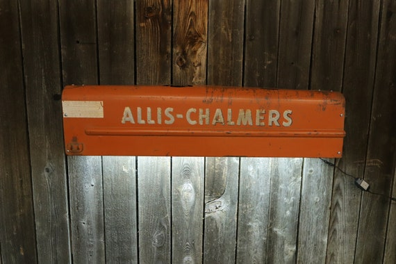 Allis Chalmers Tractor side Panel Man Cave Light. Would look great in a living room, shop, game room, bar, restaurant, or Man Cave.
