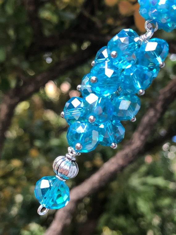 Perles de charme de sac à main, perles en cristal Turquoise. LG dangle strassé.  Pince de homard. Fait un grand cadeau.