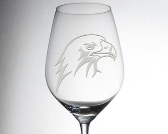Etched custom wine glass with an eagle, everybody will love! Explore now!