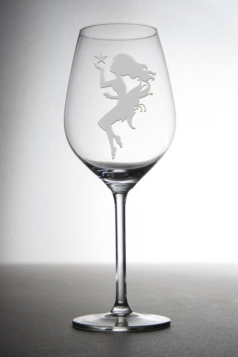 Etched custom wine glass with a enchanting fairy everybody image 0