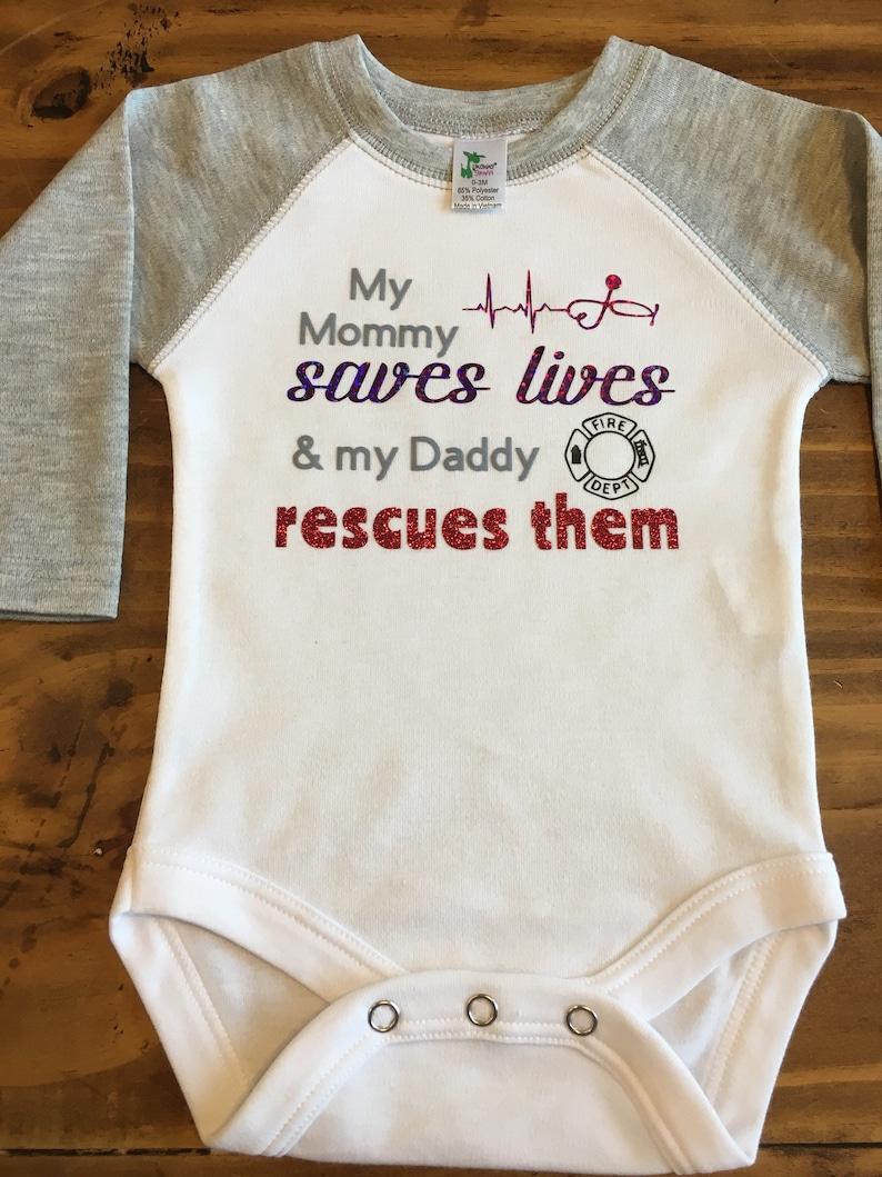 Bodysuit Baby Girl Boy Infant Raglan Toddler Shirt LS Raglan Suit My Mommy Saves Lives /& My Daddy Rescues Them Firefighter Nurse