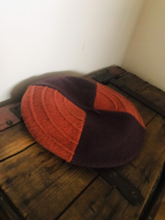 Brown colour-block baret - image 2