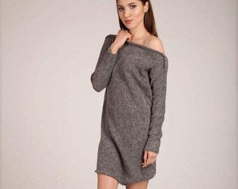 Nice dress in graphite.