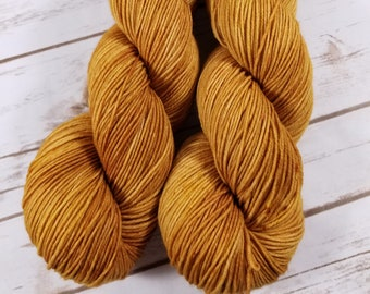 Old Soul. Hand dyed yarn.