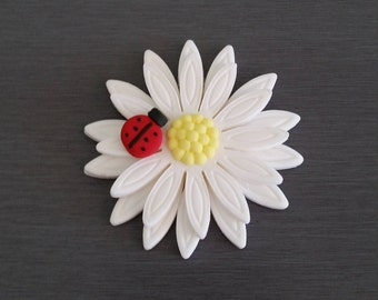 6 x Daisy Flower Cupcake toppers, Daisy Cake decorations,  flower topper, edible fondant flower decorations, ladybug, ladybug cupcake topper