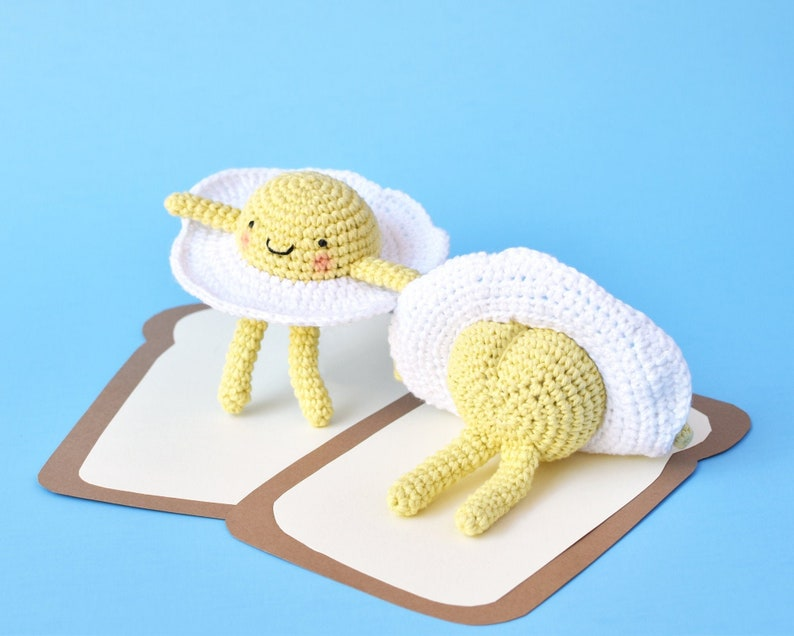 Cheeky Egg Crochet Pattern  Tiny Curl Amigurumi Pattern image 0