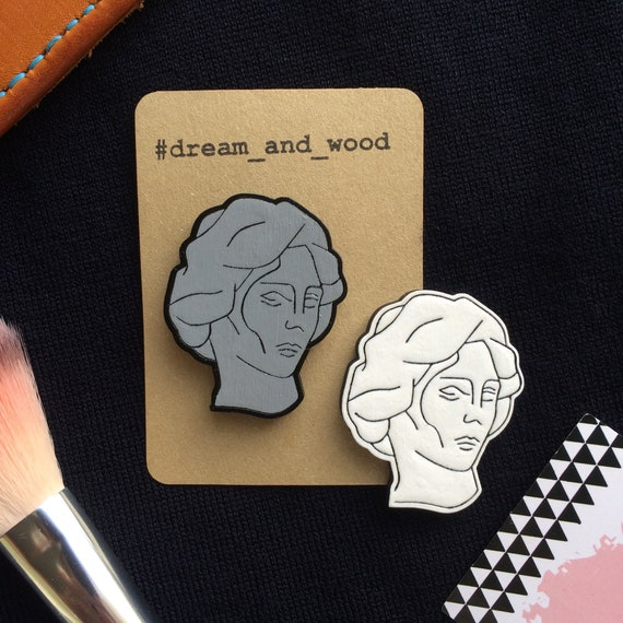 Wooden Pin Venus Lapel Pin