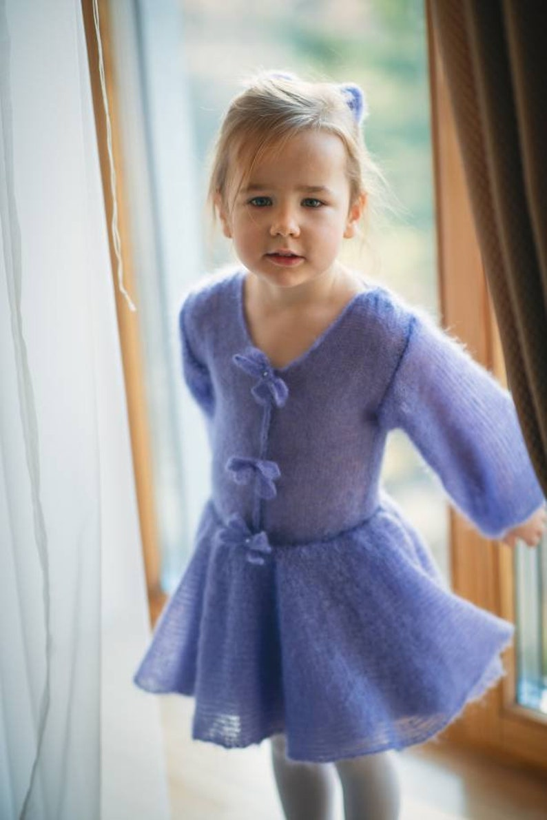 Wide sleeves little girl dress with bows