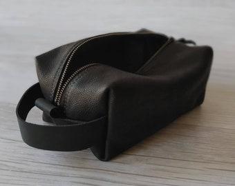 Leather Shaving Kit, Dopp Kit, Travel Bag. Canadian Made, Zippered Ditty Bag, Wash Bag, Makeup Bag, Everything Bag, Anything Bag