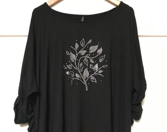5167a4845ee Black Jersey Top Hi Low Style Black with Rhinestone Motiv Wide Loose Fit  Comfy Stylish