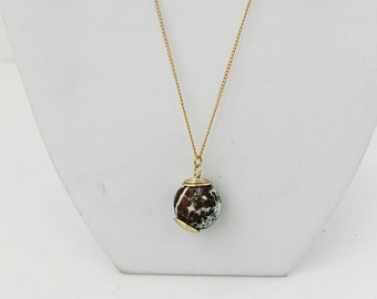 Gold-filled Necklace with Stained Agate. FK. MyLittleBoxJewelry