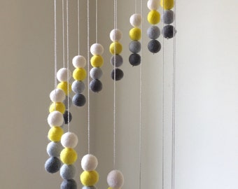 Felt ball mobile Baby mobile Felt balls Cot mobile Nursery decor