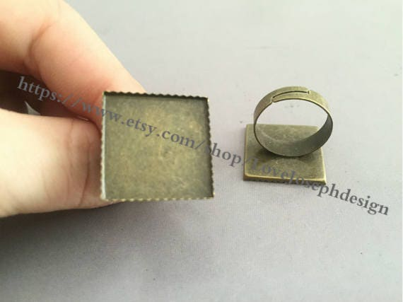 50 pièces /Lot Bronze Bronze /Lot Antique plaqué cabochon carré réglable 20 mm bague blancs plateaux de lunette (#0224) aafce2