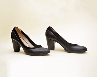 8c88dc1c4b3d vintage 90s costume national pumps black leather made in Italy 1990s heel  shoes shoes platform minimalist 1990 s 90 s round toe heels 8