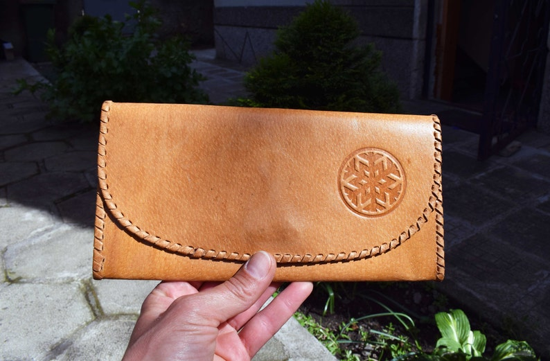 Women leather wallet Brown leather wallet Vintage woman wallet Hand tooled leather wallet Vintage leather purse Gift for her