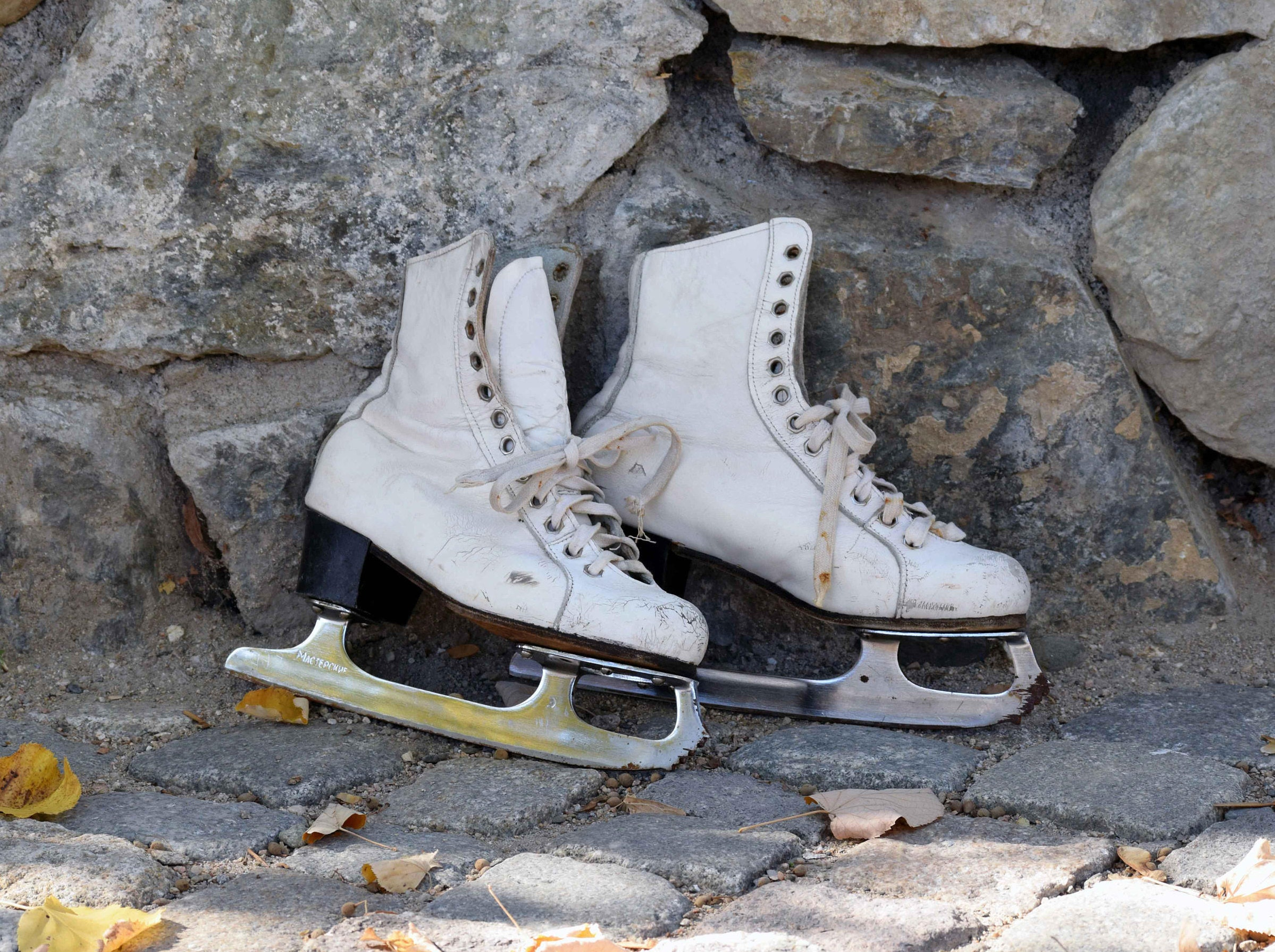 0d285506abd19 Vintage ice skates, White leather skates, Ladies ice skating boots, Russian  ice skating