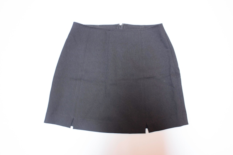 Skirt Black sheath years 90 with front vents