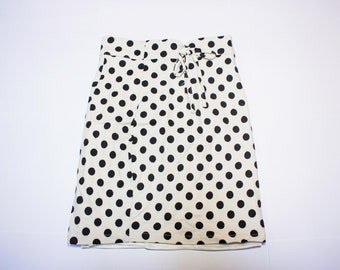 Tall white polka dots waist skirt