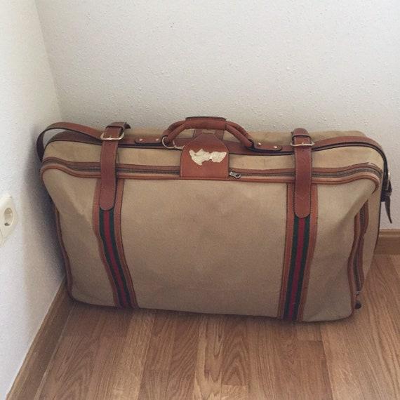 VINTAGE GUCCI SUITCASE   70s Gucci suitcase  - image 2