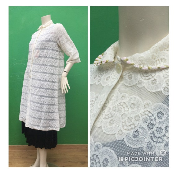 LACE DRESSING GOWN 70s Vintage lace dressing gown