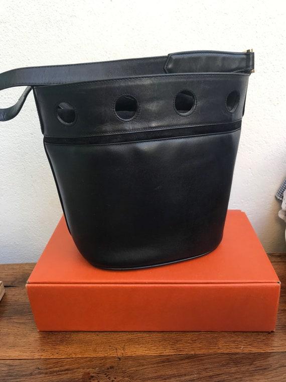 BLACK LEATHER BUCKET Craft leather shoulderbag Ori