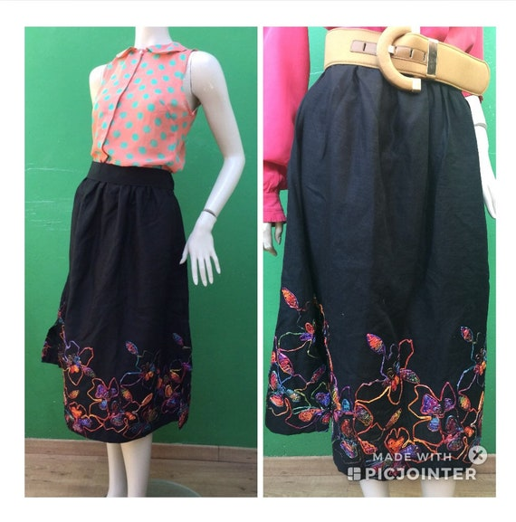 LINEN EMBROIDERED SKIRT Black linen skirt Raffia e