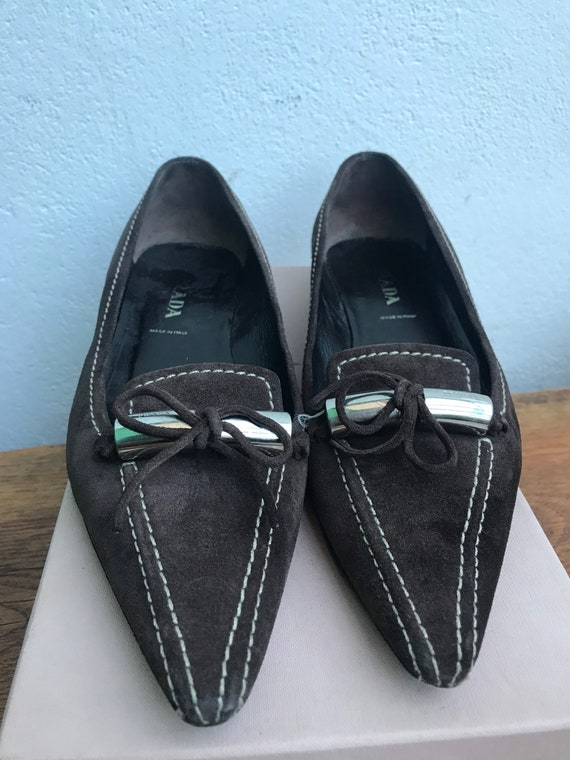 PRADA VINTAGE DÉCOLLETÉ   Brown suede leather shoe
