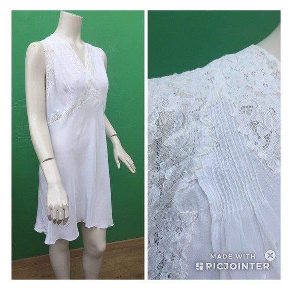 WHITE ANCIENT Silk night dress Lace Vintage 40s Pe