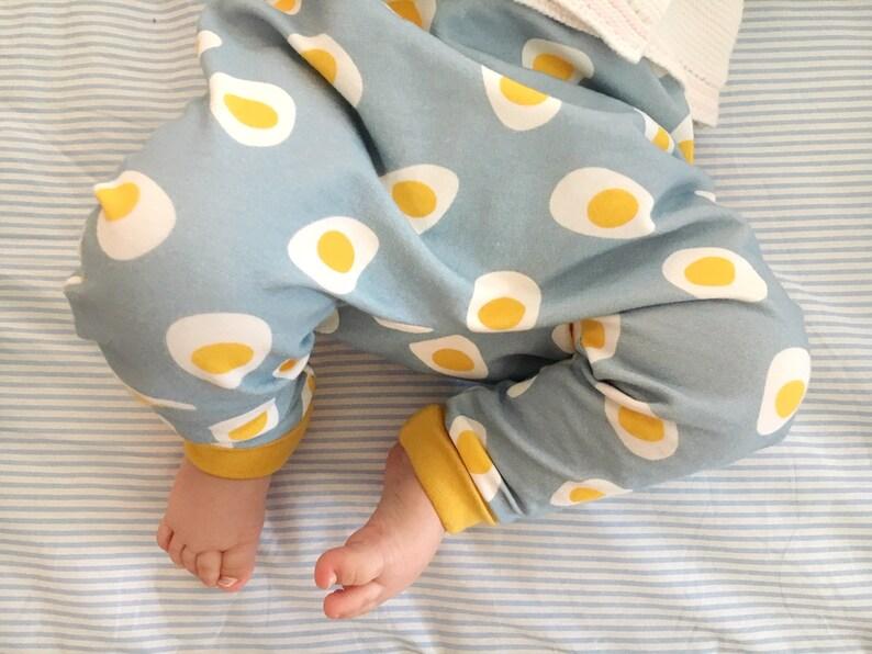 a8845549b89a0 Sarouel bébé et enfant motif Oeuf