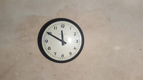 Vintage Wanduhr Rund Grosse Moderne Kuchenuhr Coole Einzigartige Retro Grosse Weisse Schwarze Uhr Fur Wand Mitte Jahrhundert Burodekor