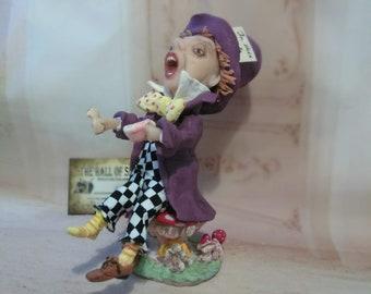 Mad Hatter, Alice in Wonderland sculpture, mad hatter figurine
