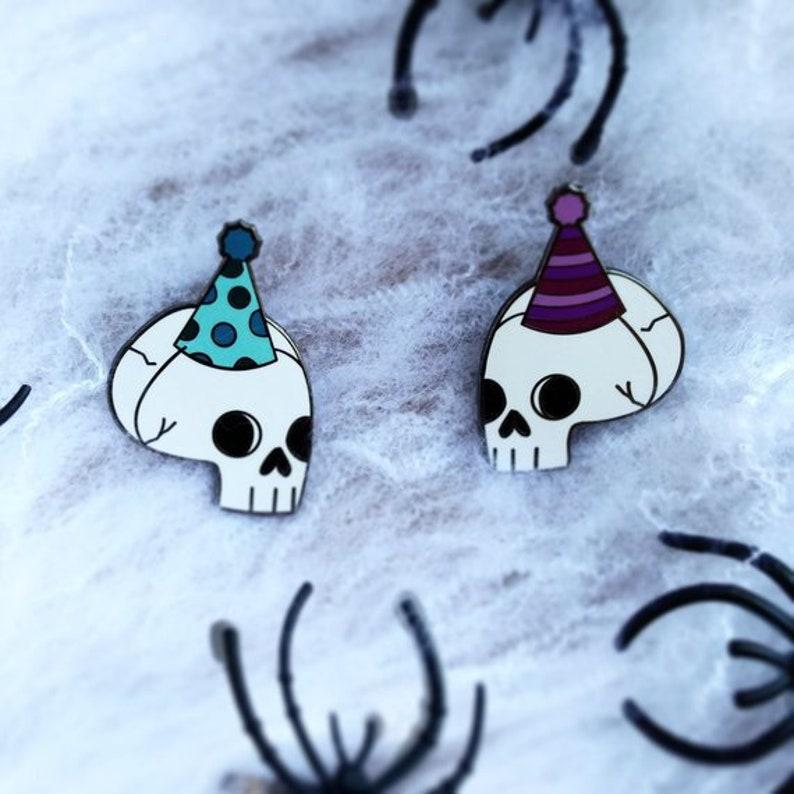 Til Death Do Us Part-Y Party Skull Hard Enamel Pins image 0