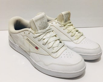 2ebebe06bf4a Men s Vintage Reebok White Sneakers 80s 90s Streetwear Size 10 Extra Wide  New With Flaws