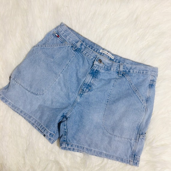 90's Tommy Hilfiger women's shorts (size 7) | Looks | Tommy