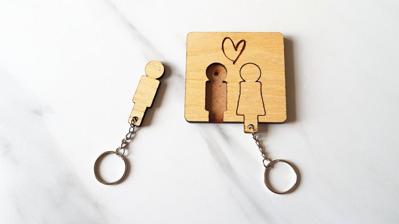Couples Wooden Key Rings And Wall Mounted Key Ring Holder