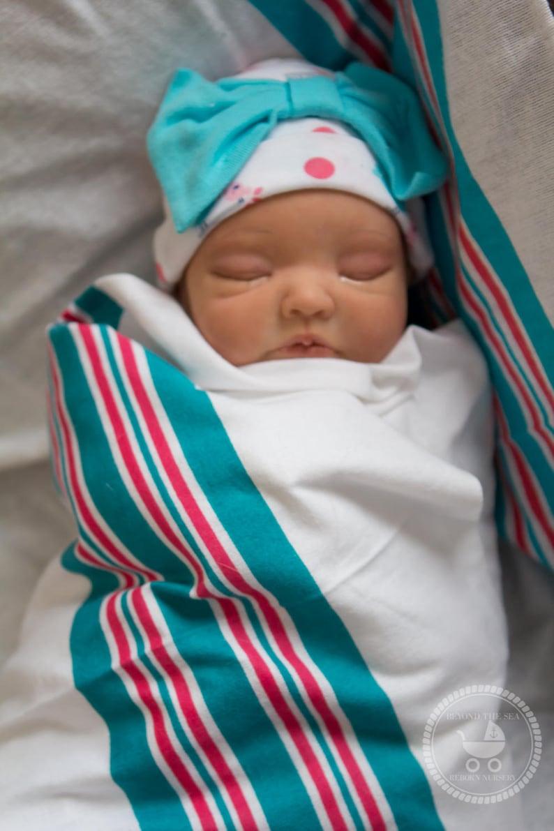 b6f85ca2a3534 Bébé Reborn Avery garçon ou fille Poupée de peint à la main