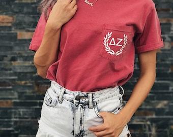 Delta Zeta Comfort Colors Laurel ΔΖ Unisex Pocket T-shirt
