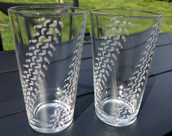 Super Swamper tire tread beer glasses (set of 2)