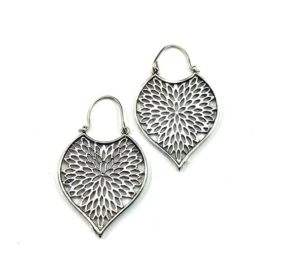 Silver Tone White Brass Metal Artisan Cutout Earrings Middle Eastern Nomad Tribal Teardrop Leaf Design Jewelry
