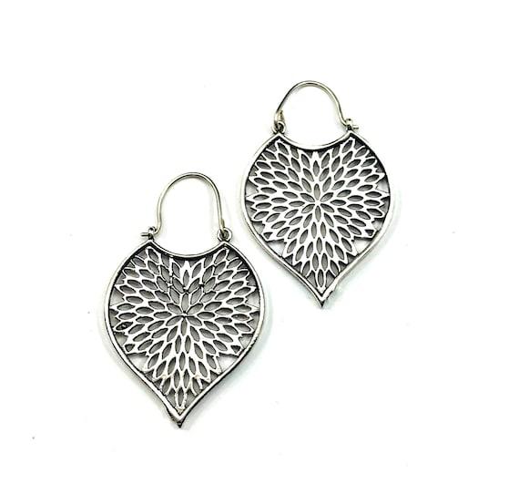 Silver Tone White Brass Metal Artisan Cutout Earrings Middle Eastern Nomad Tribal Teardrop Leaf Design Jewelry