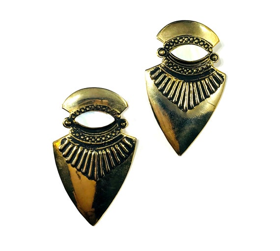 Vintage Tribal Native American Western Style Shield Metal Mother of Pearl Earrings Gold Tone Boho Chic Bohemian Artisan Statement Pierced