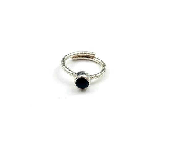 ARTISAN Hammered Silver ONYX Wrap Around Black Minimalist Boho Bohemian Stackable Ring Adjustable Size 5 6 7 8