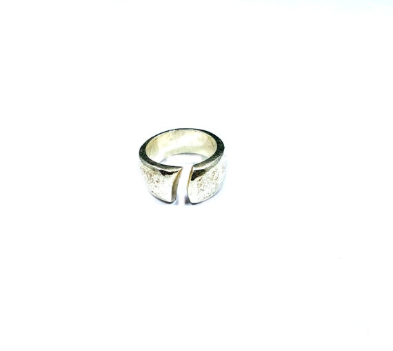 Vintage Aged Distressed CHUNKY Heavy Sterling SILVER Band Open Work Ring Jewelry Boho Bohemian Industrial Chic Size 5.5