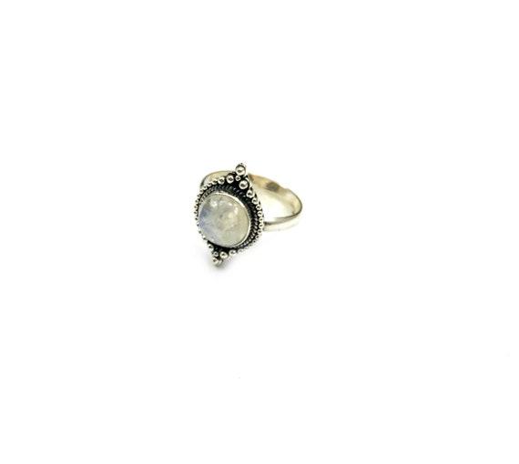 Regal MOONSTONE Healing Magickal Magical Bead Detail Artisan Tribal Sterling SILVER Ring Boho Bohemian Chic Size 6 7 8