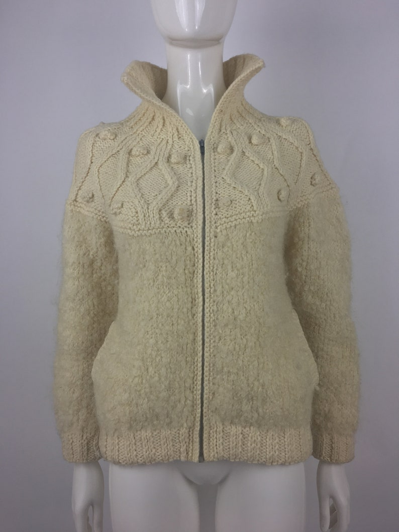 Vintage 1970/'s Avoca Hand Weavers Hand Knitted Cardigan Sweater|Pure New Wool Sweater w Diamond Honeycomb Knit Pattern /& High Collar|Size M