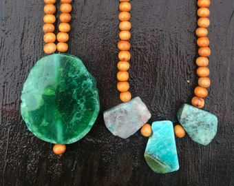 BRINGING BALANCE necklace  - Agate - wooden beads